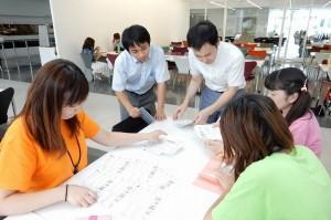 グループ発表投票結果を集計中
